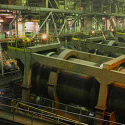 Bentonite in production of metallurgical raw materials